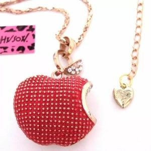NWT BETSEY JOHNSON RED APPLE NECKLACE